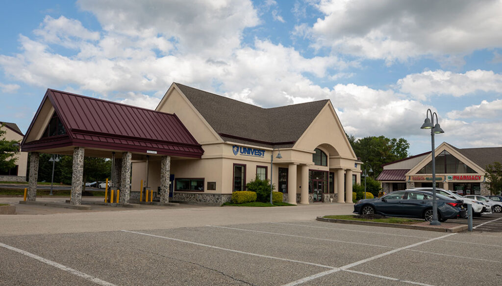 Univest Bank at The Shoppes at Village Square