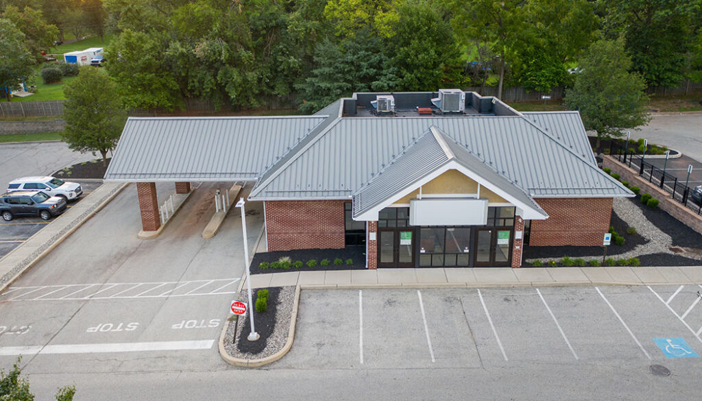 Bank building for lease